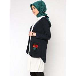 Veste à capuche avec ornements fleurs